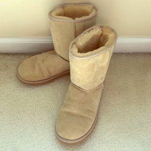 Ugg boots classic short tan
